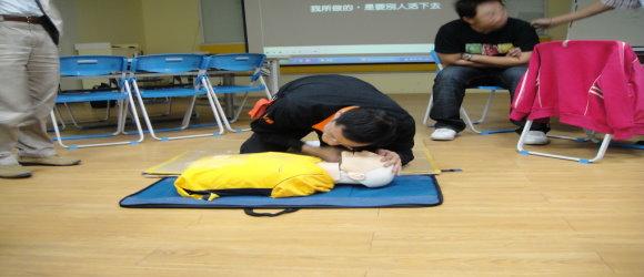 急救人員訓練:CPR